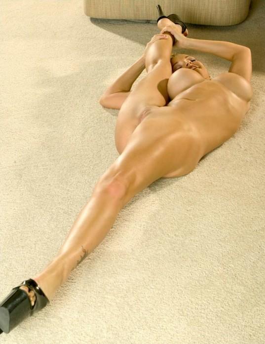 tetona abierta de piernas